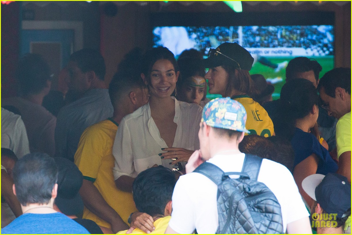 adriana lima alessandra ambrosio support brazil in world cup defeat 113151900