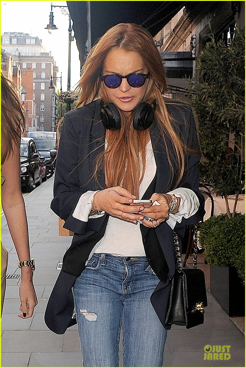 lindsay lohan comes back to london after week in nyc 043152762