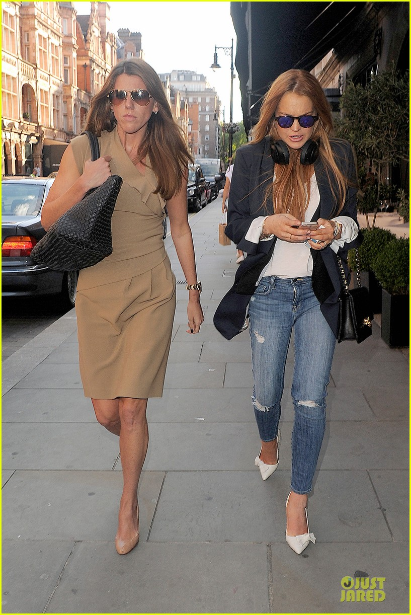 lindsay lohan comes back to london after week in nyc 203152778