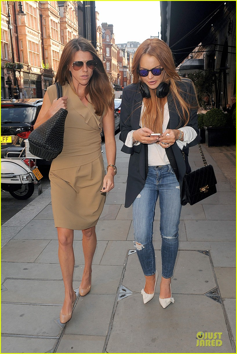 lindsay lohan comes back to london after week in nyc 213152779
