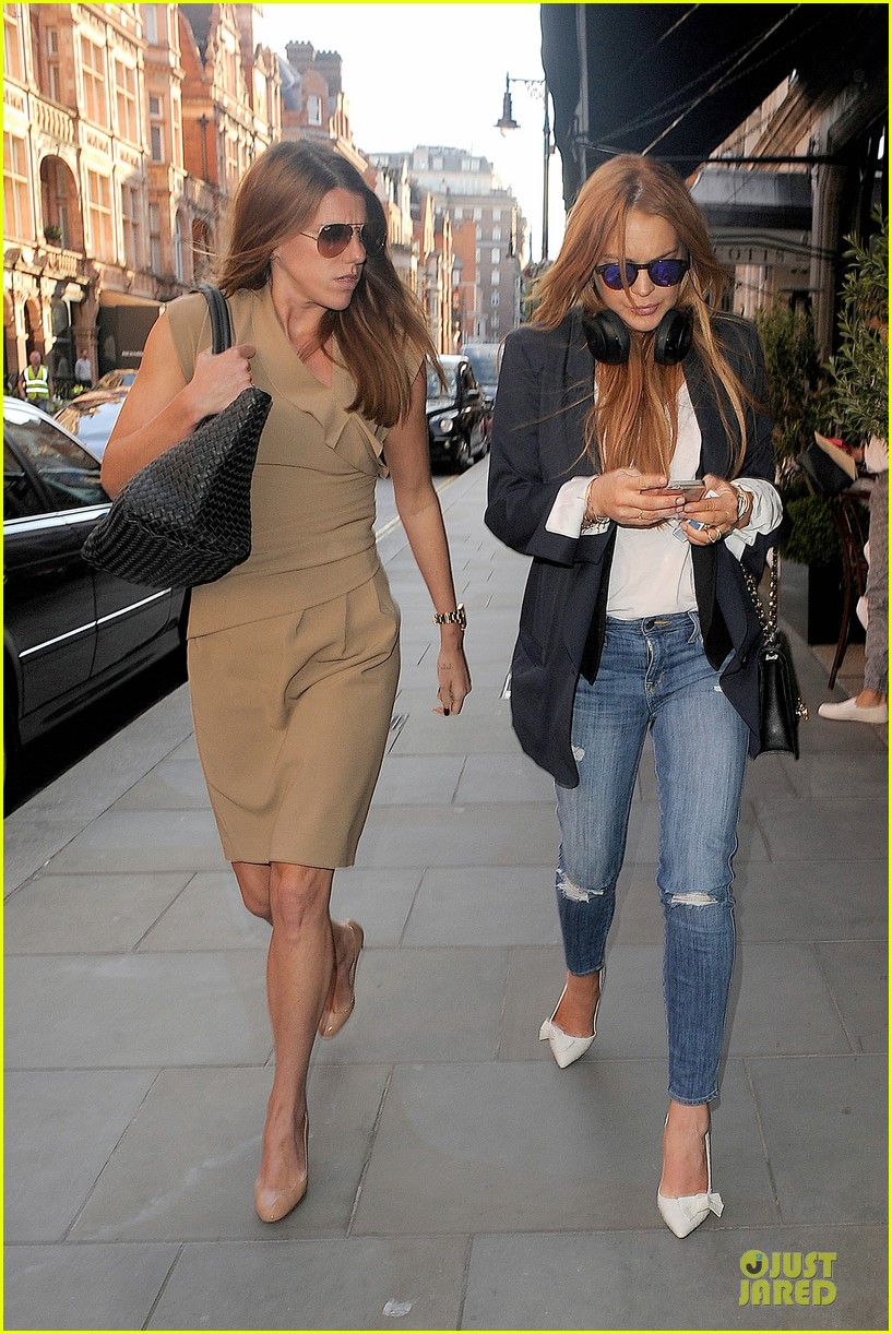 lindsay lohan comes back to london after week in nyc 243152782