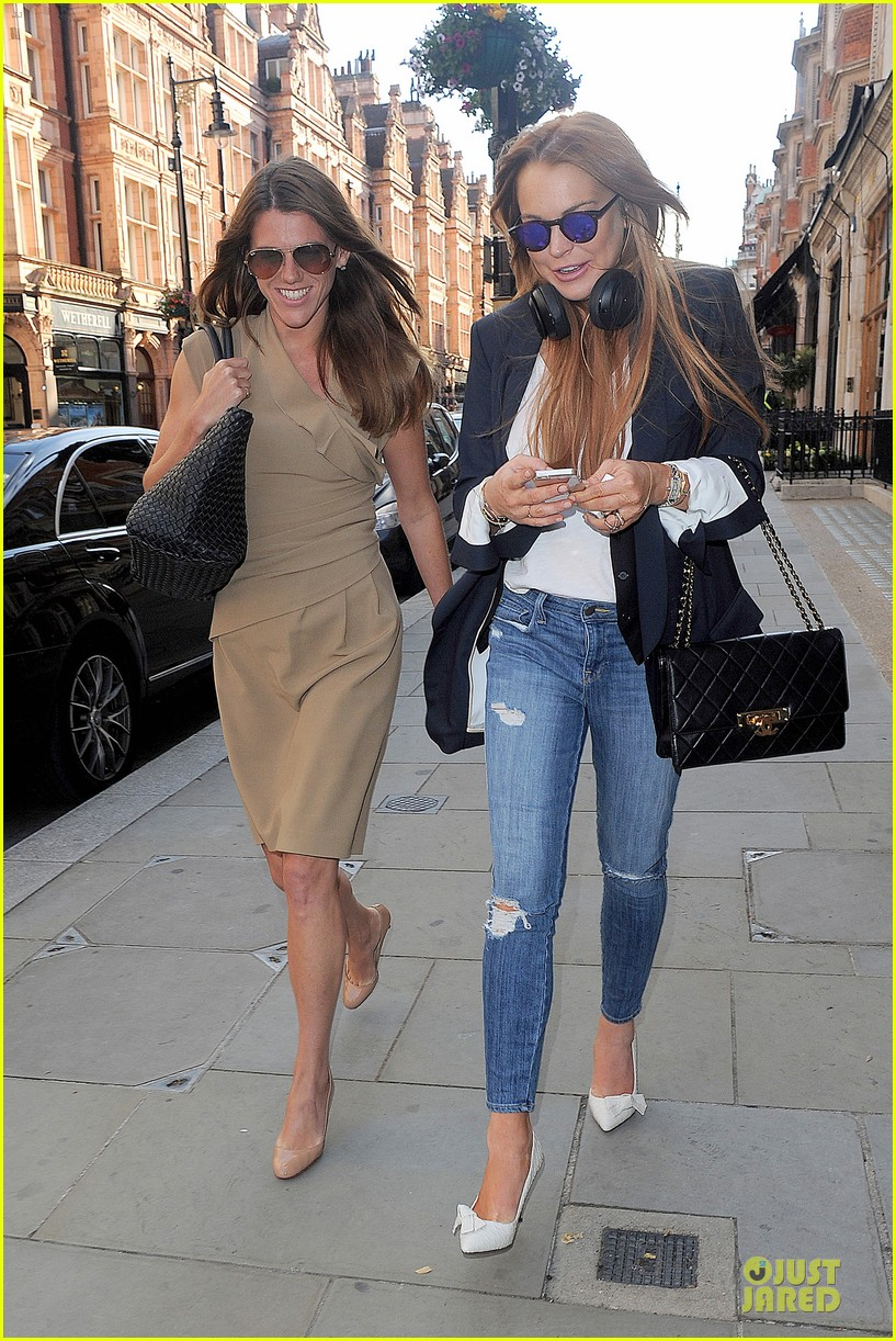 lindsay lohan comes back to london after week in nyc 253152783