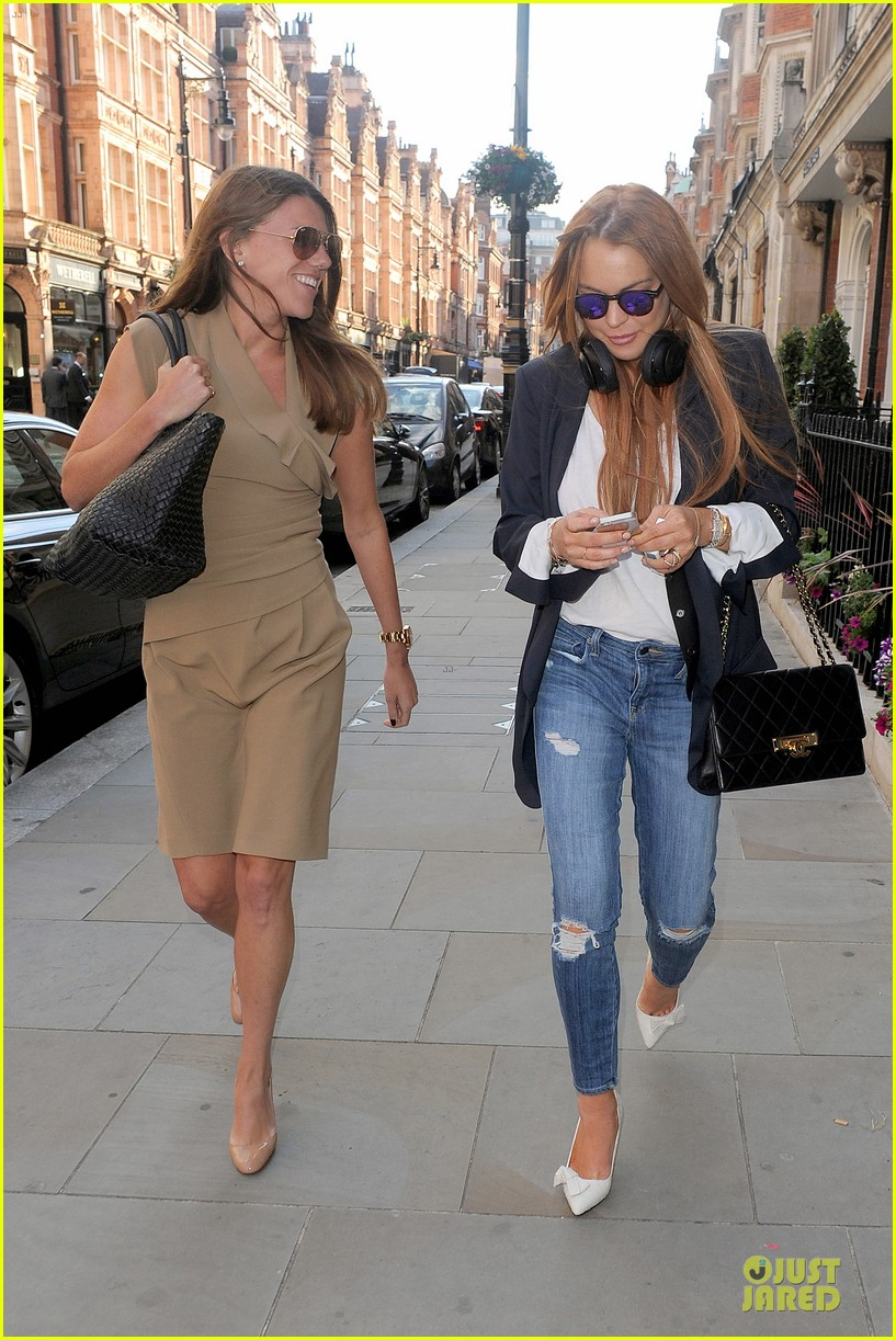 lindsay lohan comes back to london after week in nyc 263152784