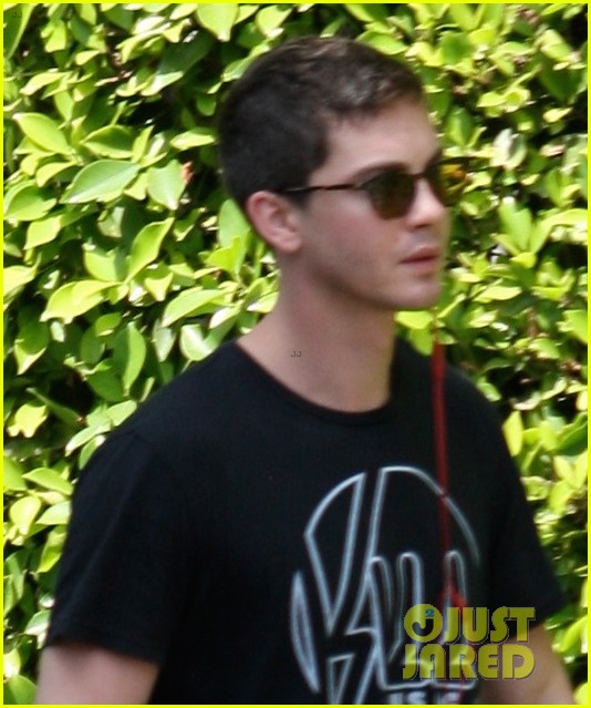 logan lerman rare appearance fury buzz 013148955
