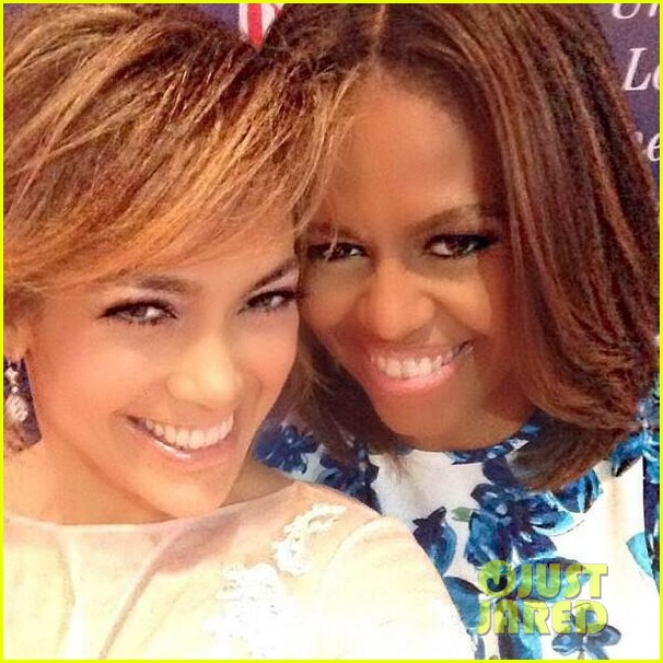 jennifer lopez michelle obama snap a selfie at lulac luncheon 033153119