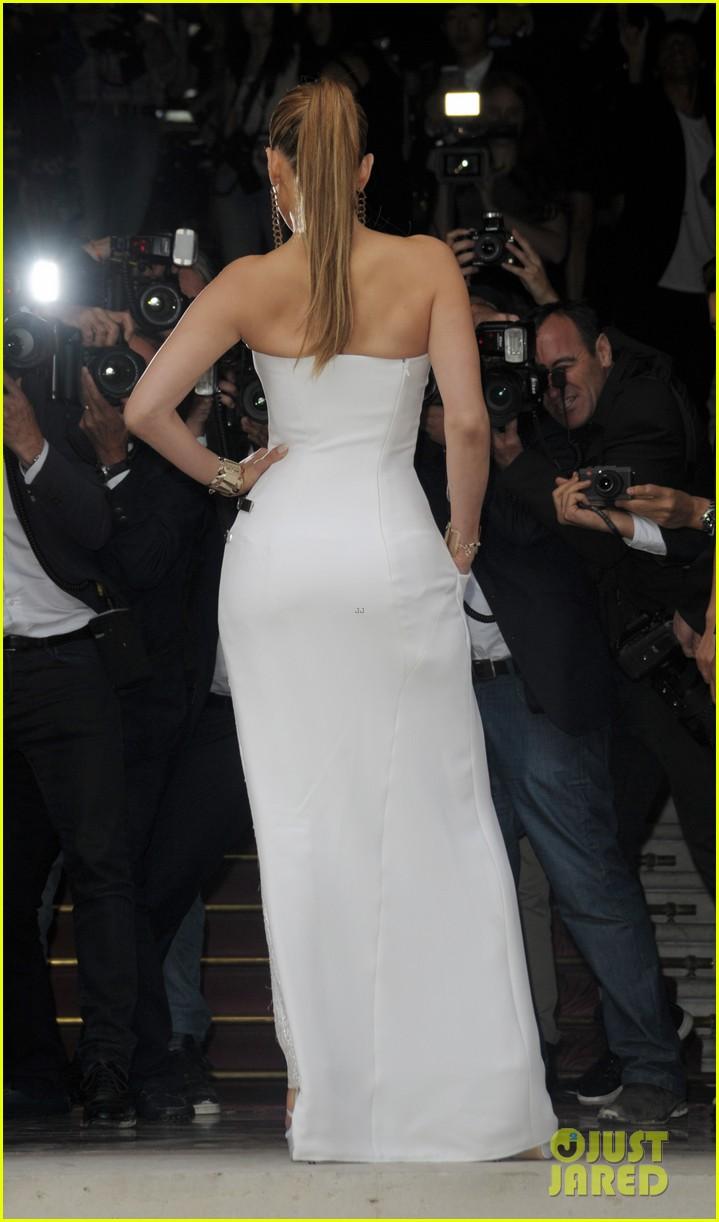 jennifer lopez versace fashion show paris 123150531