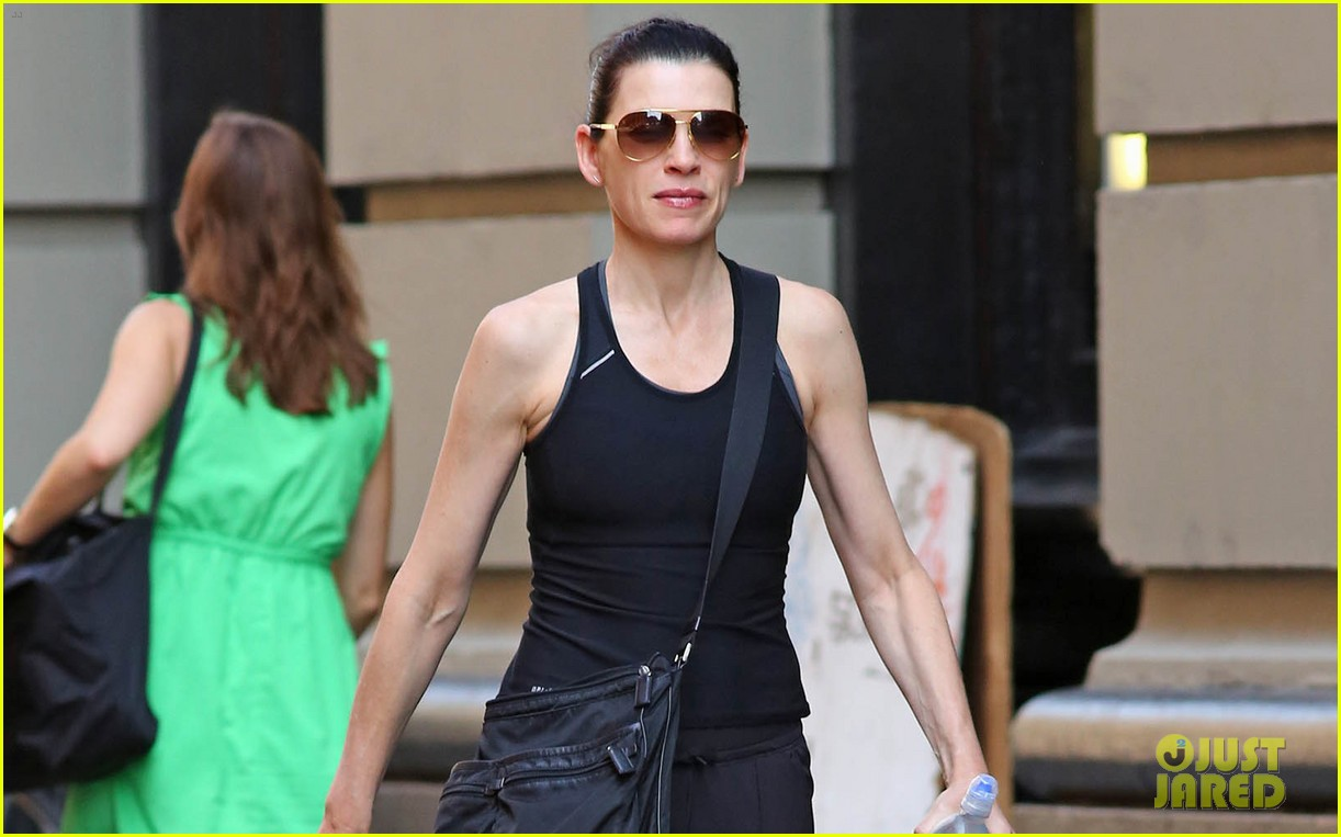 julianna margulies looks so fit fabulous 01