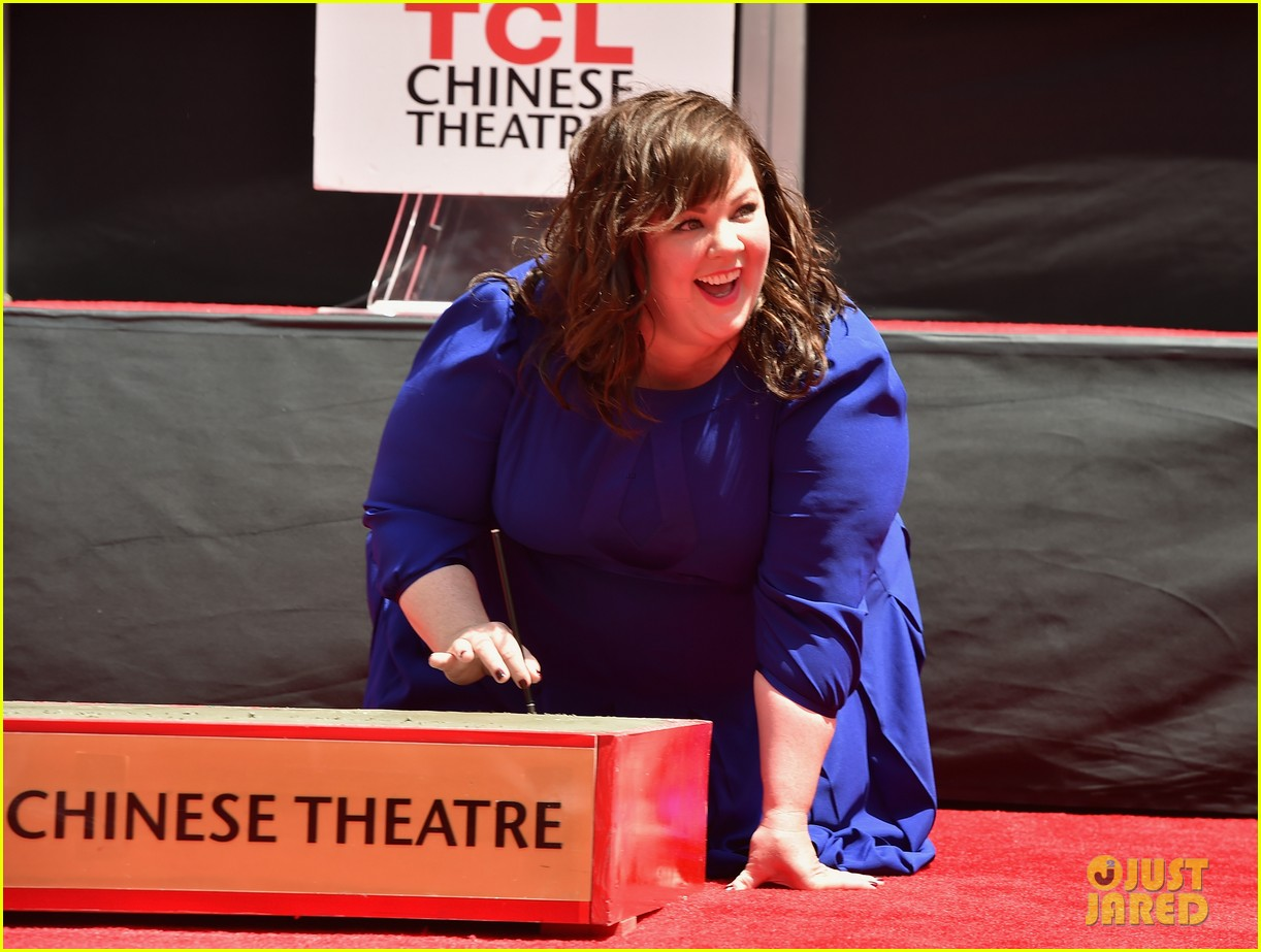 melissa mccarthy hand footprint ceremony 103148519
