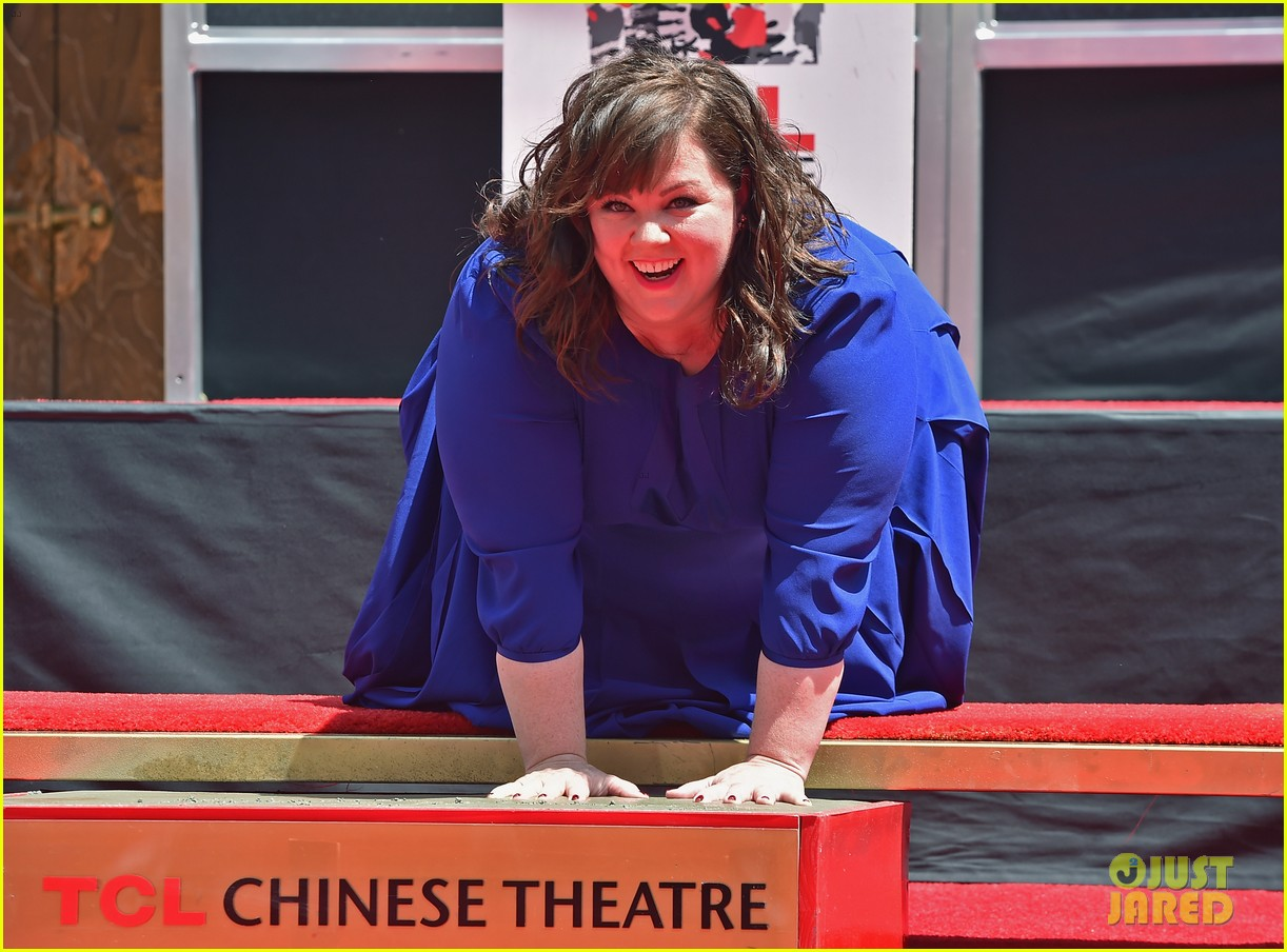 melissa mccarthy hand footprint ceremony 13