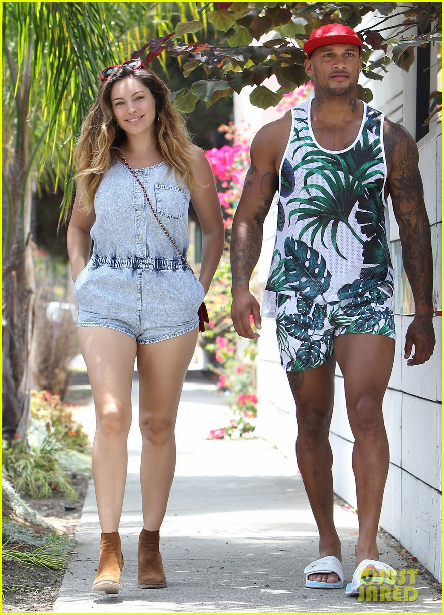 kelly brook fiance david mcintosh should always go shirtless 033149297