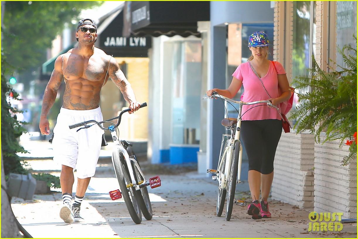 kelly brook fiance david mcintosh should always go shirtless 233149317