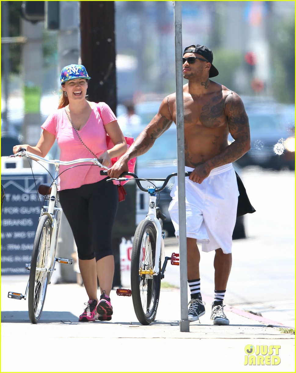 kelly brook fiance david mcintosh should always go shirtless 283149322