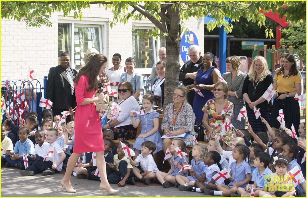 kate middleton is bright in pink for blessed sacrament school visit 133147516