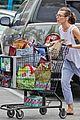 milla jovovich grocery trip friend 02