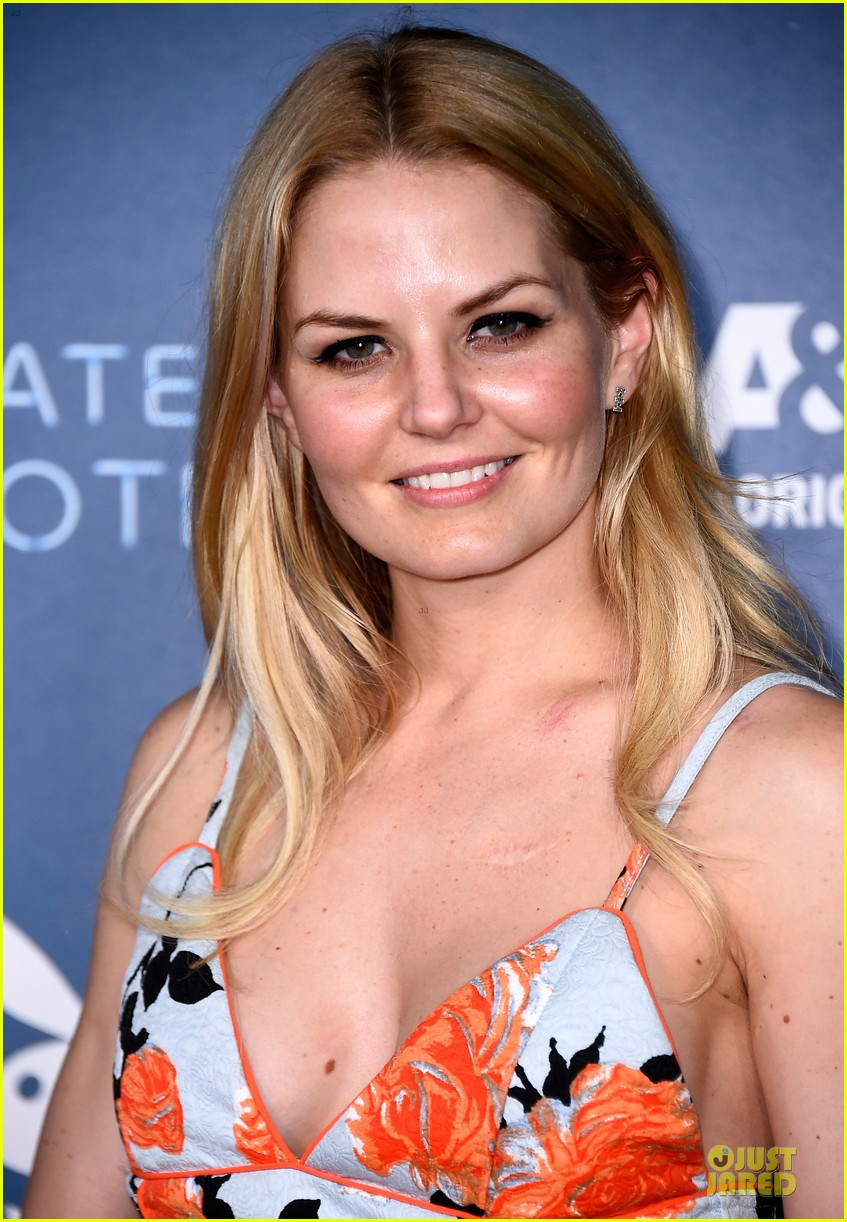 jennifer morrison ben mckenzie hit up playboy comic con party 073164389