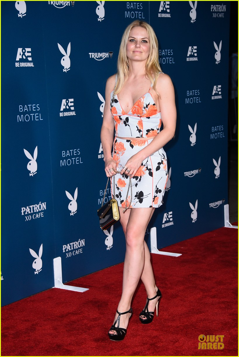 jennifer morrison ben mckenzie hit up playboy comic con party 083164390