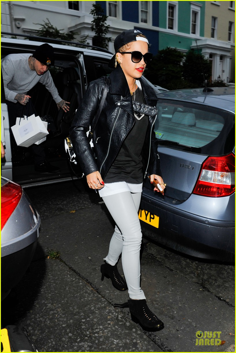rita ora steps out with mystery man at nobu 103150291
