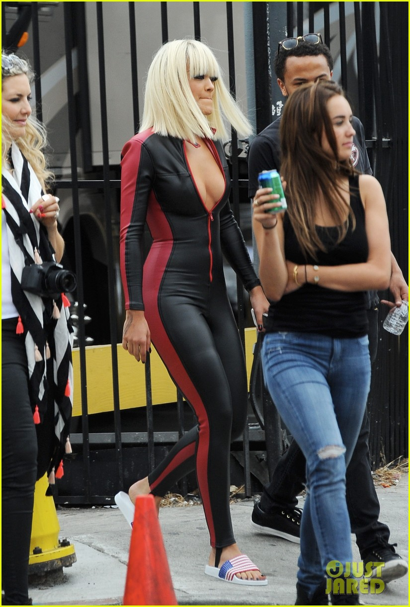 Iggy azalea and rita ora black widow