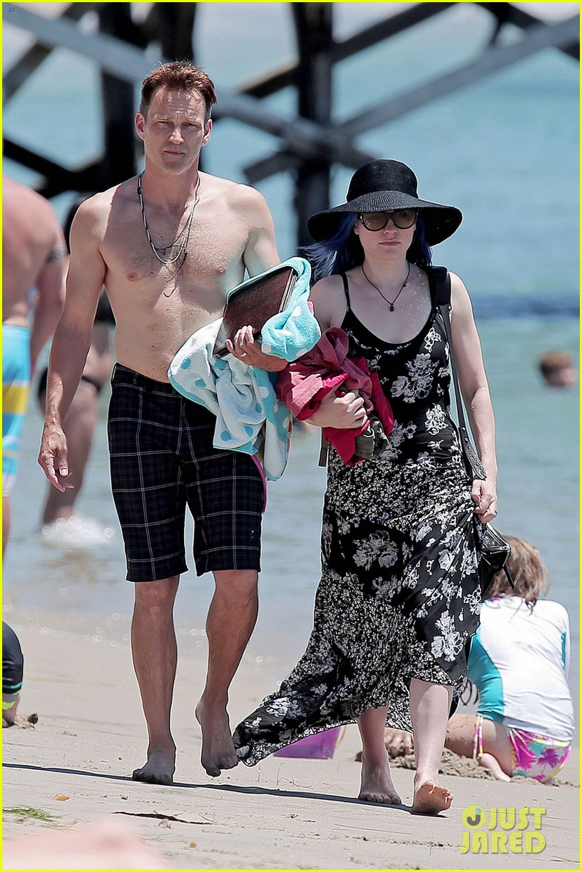 anna paquin 32nd birthday shirtless hubby stephen moyer 043163315