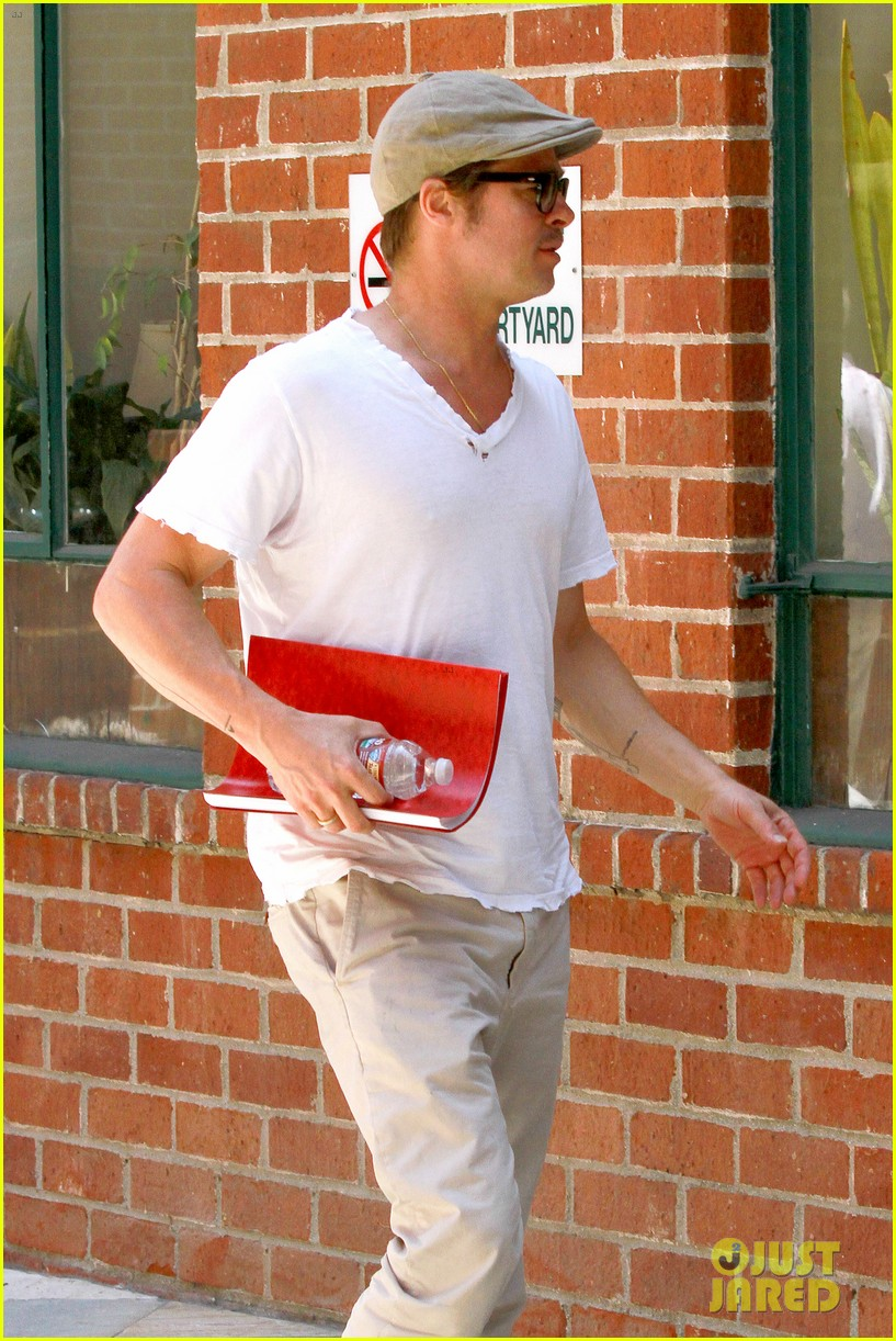brad pitt brings his script along to a doctors appointment 06
