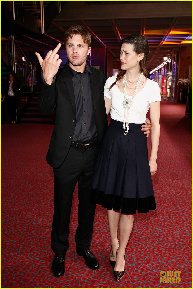 michael pitt astrid berges frisbey bring i origins to countries 073150299