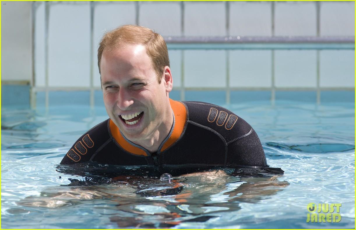 prince harry polo prince william snorkeling pool 033154677