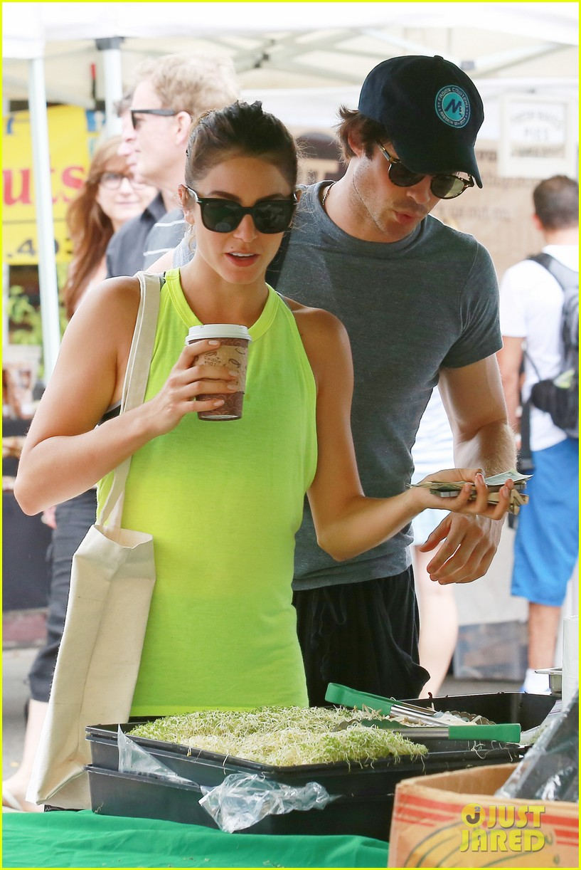nikki reed ian somerhalder couple farmers market hug 023160546
