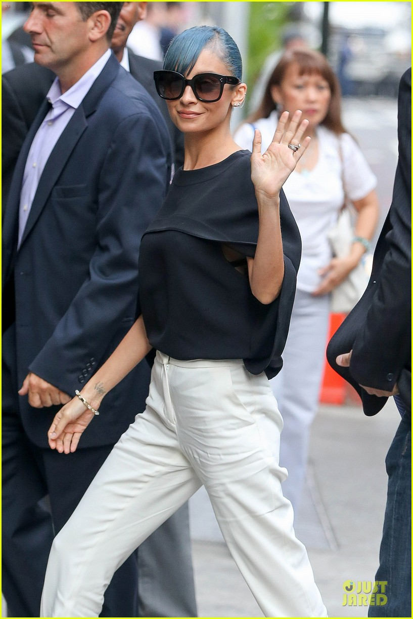 nicole richie candidly nicole is based off her twitter 02