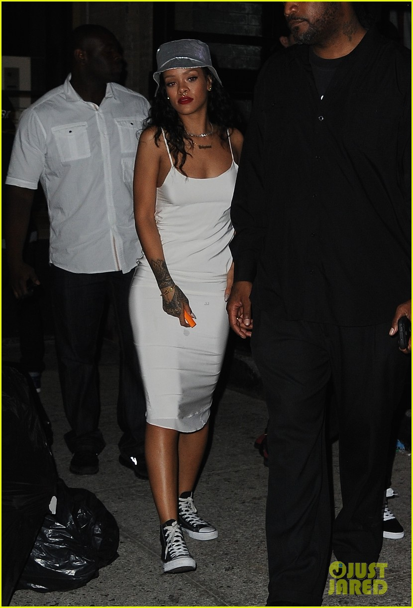 rihanna rocks new nose piercing for brothers party at vip room 033152908