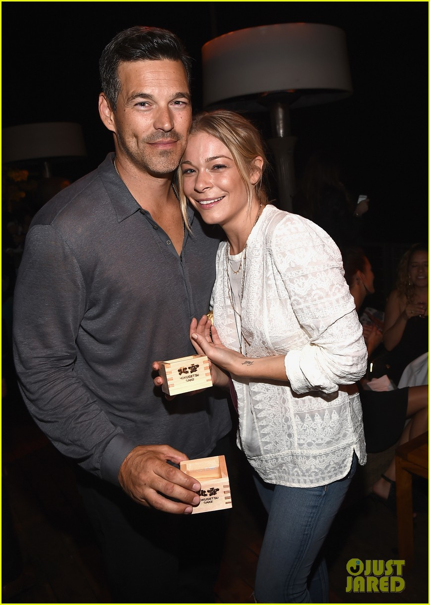 leann rimes eddie cibrian are the happiest couple at ray donovan 023152864