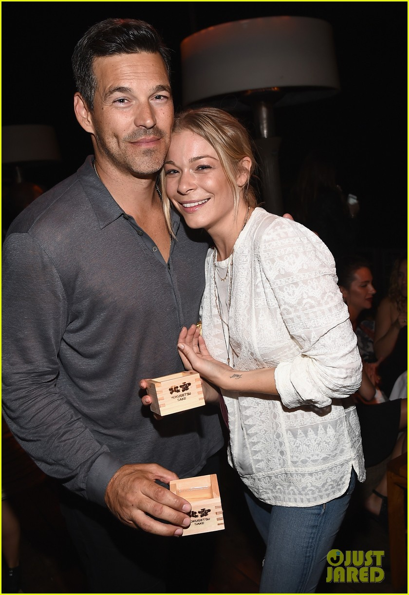leann rimes eddie cibrian are the happiest couple at ray donovan 053152867