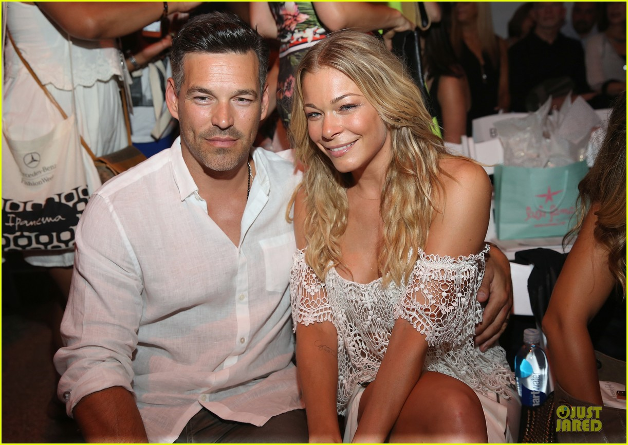 leann rimes match in white at luli fama show 023160655