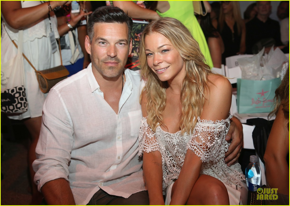 leann rimes match in white at luli fama show 073160660