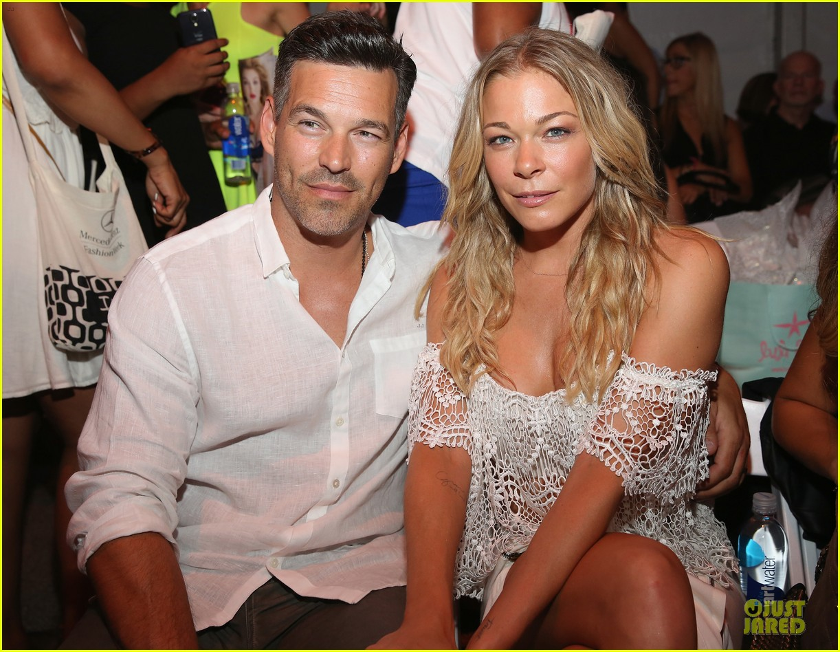 leann rimes match in white at luli fama show 113160664