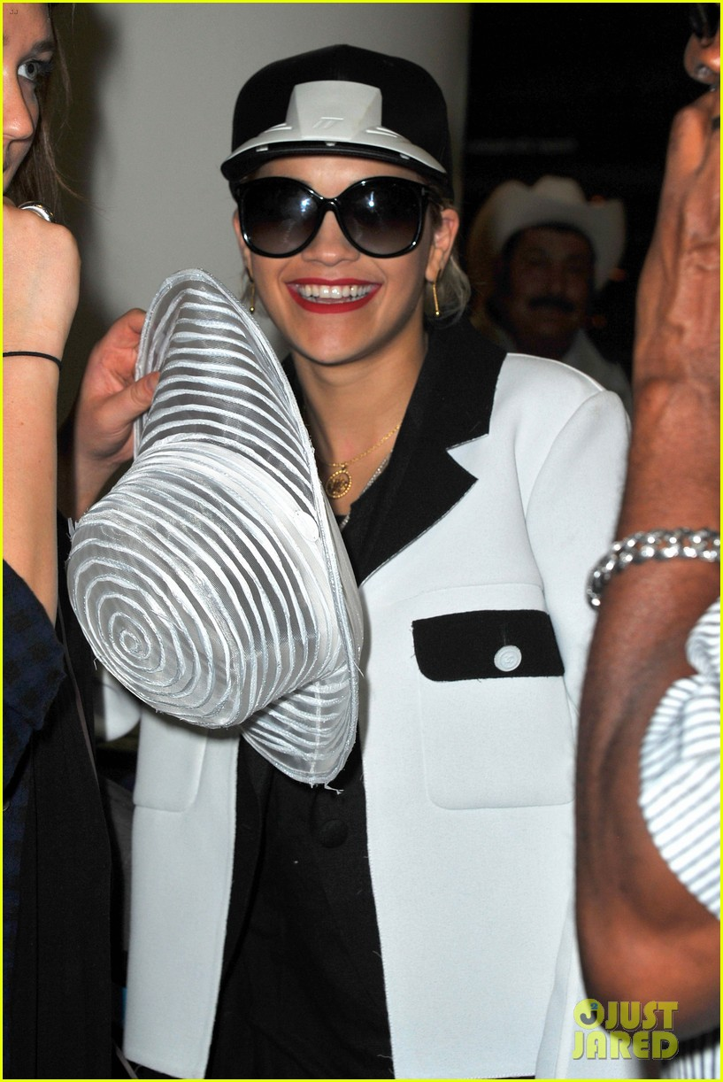 rita ora richard hilfiger reportedly really hit it off 023151640