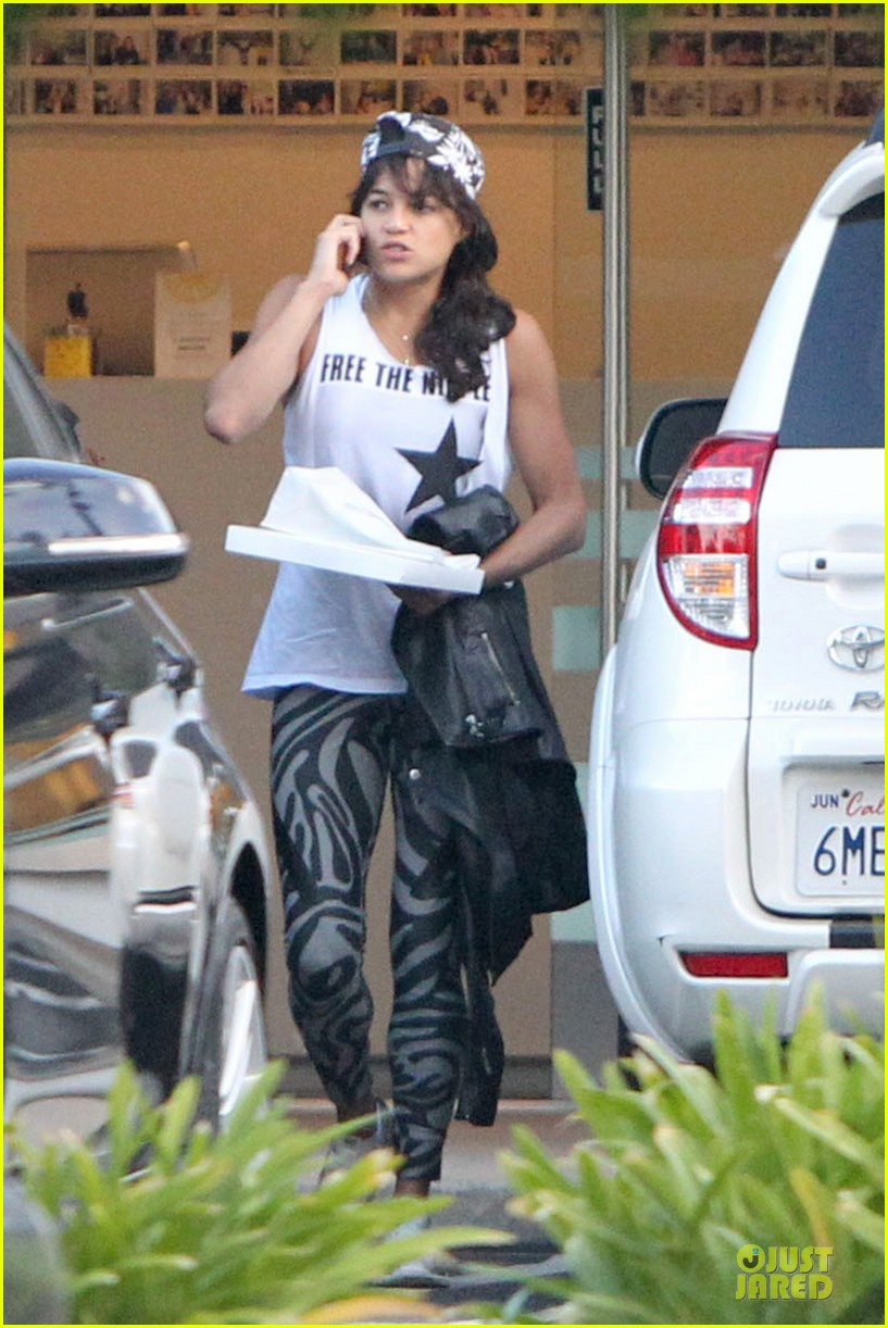 michelle rodriguez toned arms are sight to see 033164277