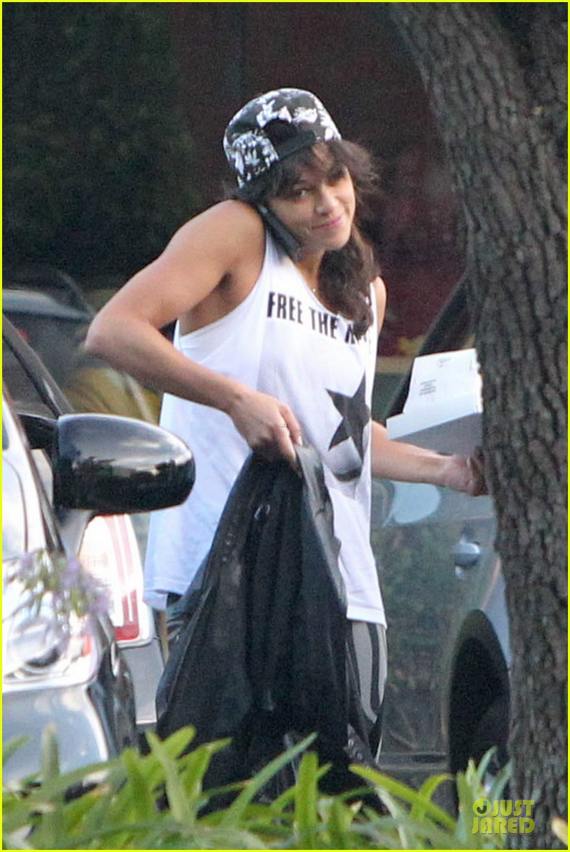 michelle rodriguez toned arms are sight to see 073164281