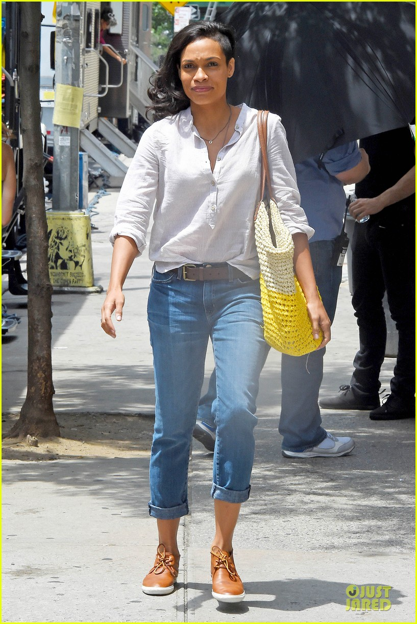 rosario dawson happy to be finally famous 053147380