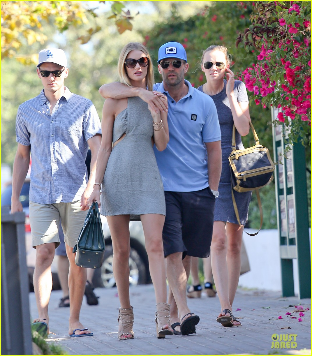 rosie huntington whiteley jason statham cant keep hands off each other 083150682