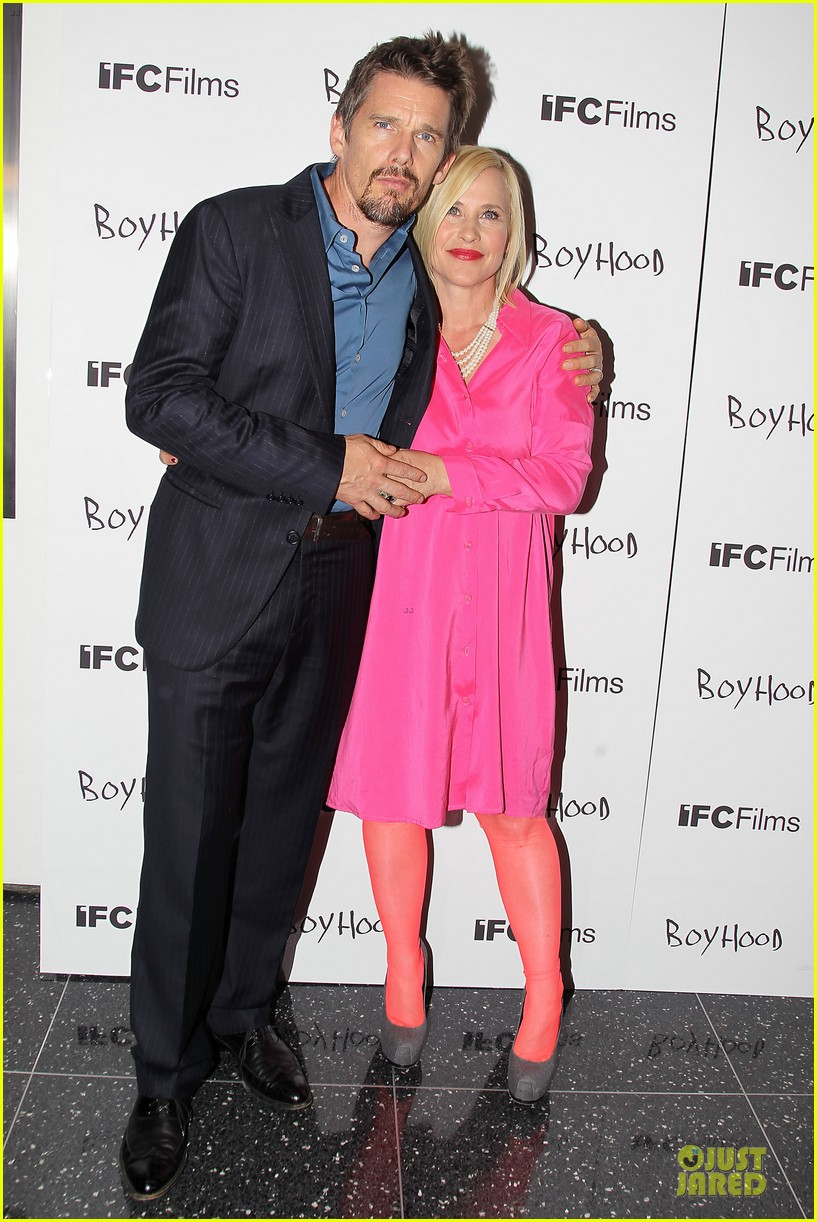 taylor schilling supports ethan hawke boyhood in nyc 133151391