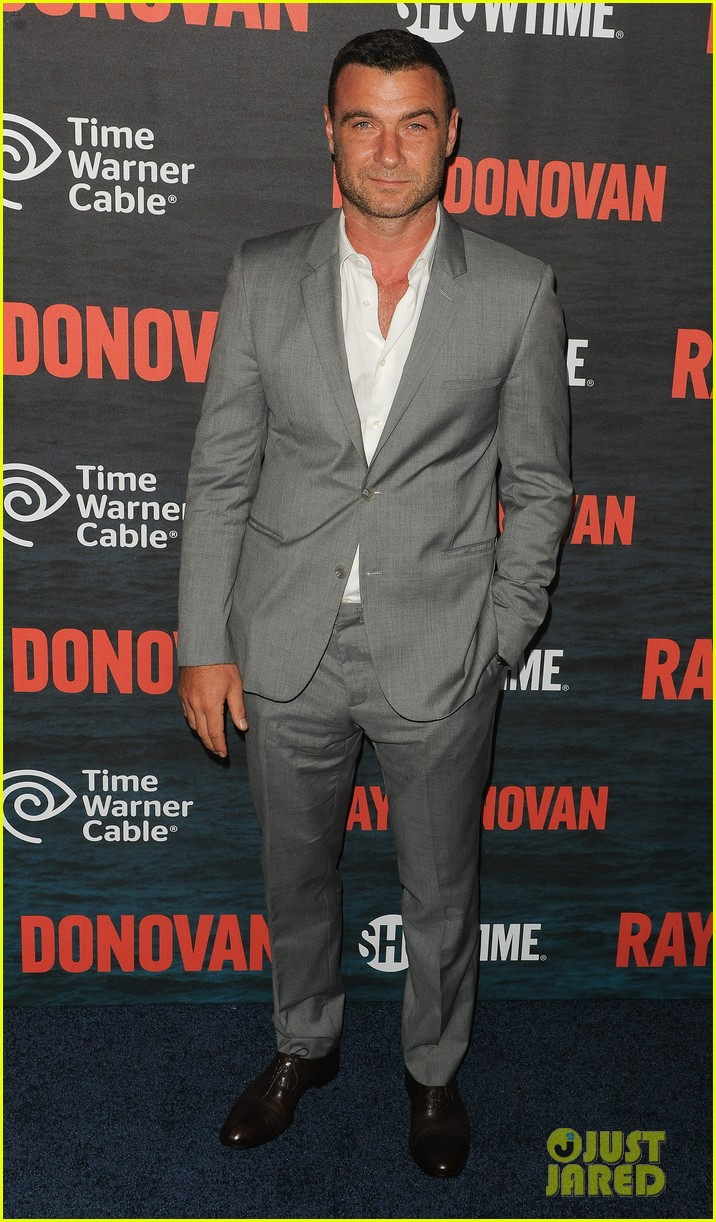 liev schreiber suits up for ray donovan season 2 premiere 073152874