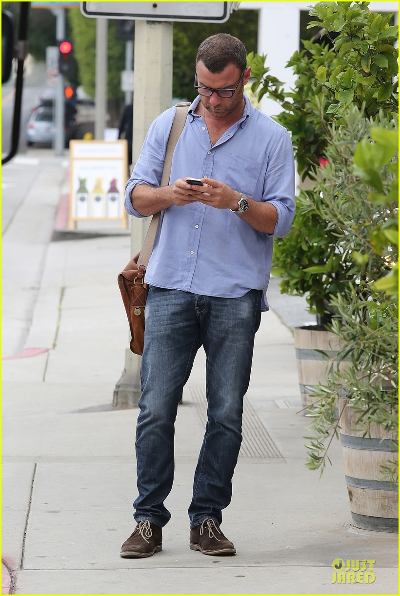 liev schreiber always looks suave for ray donovan 013147920