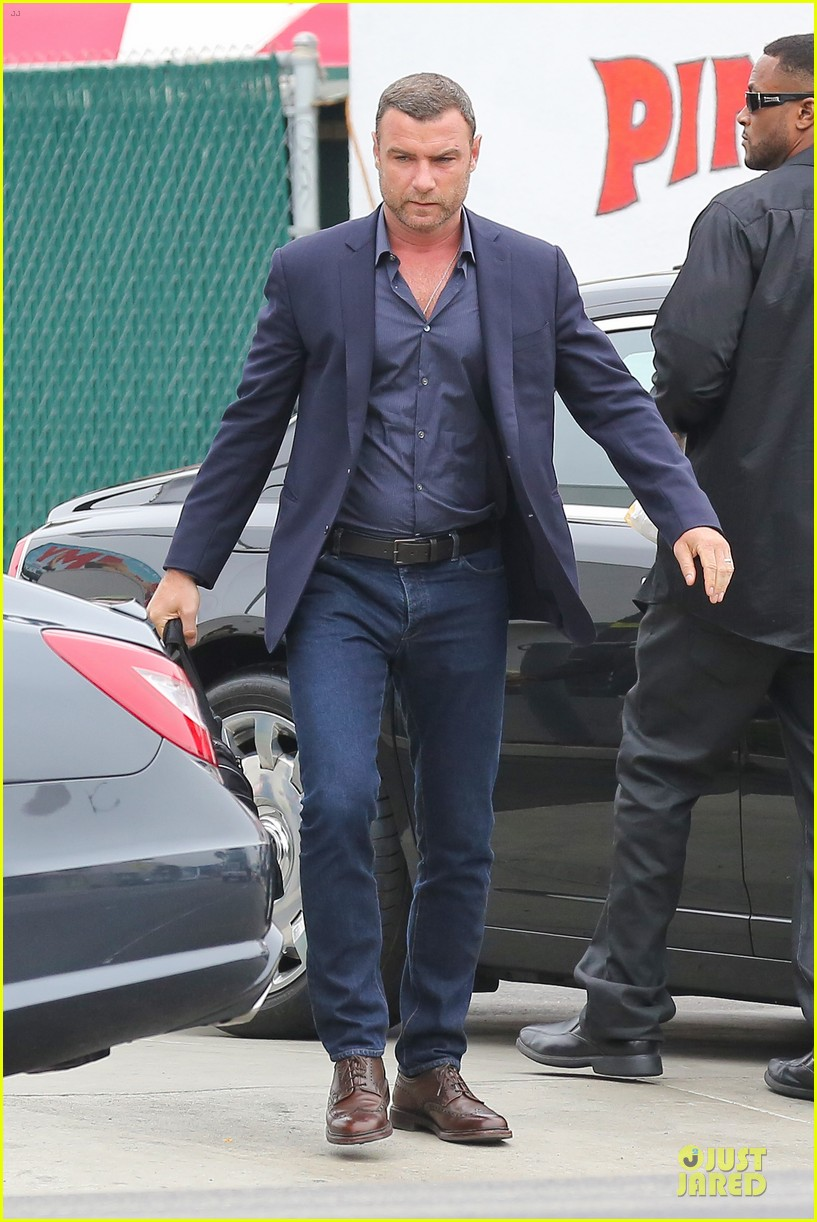 liev schreiber always looks suave for ray donovan 033147922