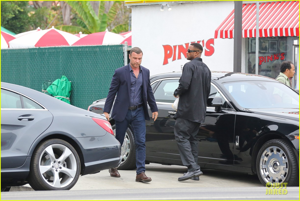 liev schreiber always looks suave for ray donovan 073147926