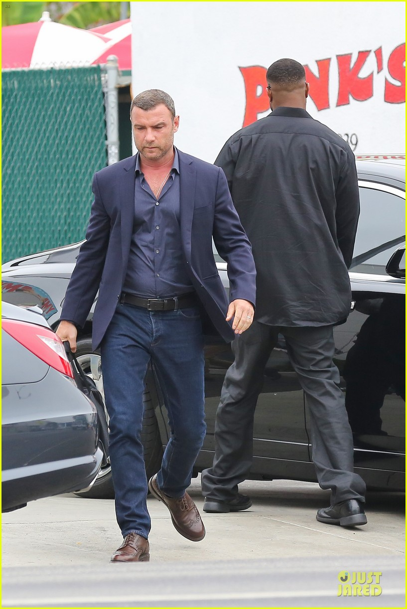 liev schreiber always looks suave for ray donovan 103147929