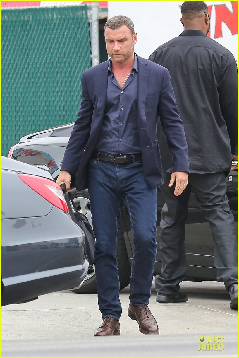 liev schreiber always looks suave for ray donovan 113147930