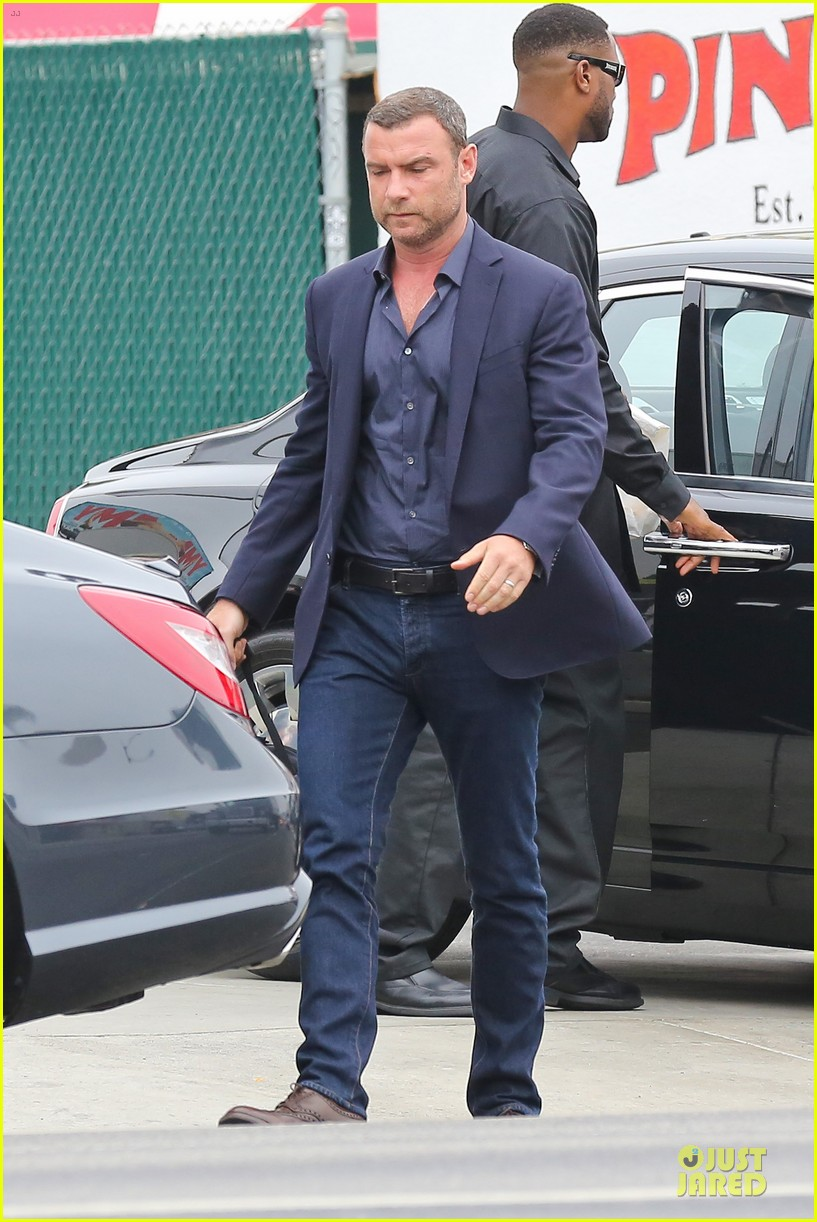 liev schreiber always looks suave for ray donovan 133147932