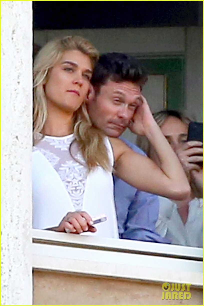 ryan seacrest cozies up to girlfriend shayna taylor 043149645