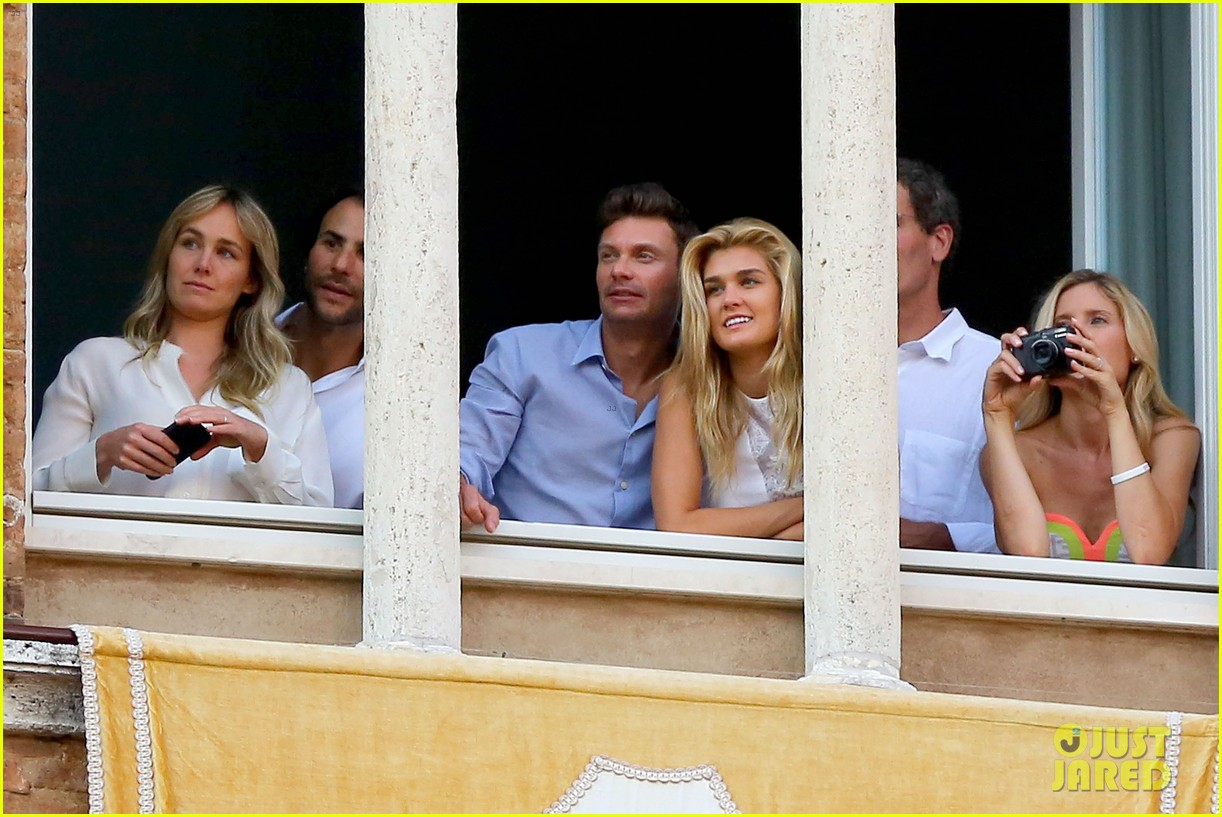 ryan seacrest cozies up to girlfriend shayna taylor 123149653