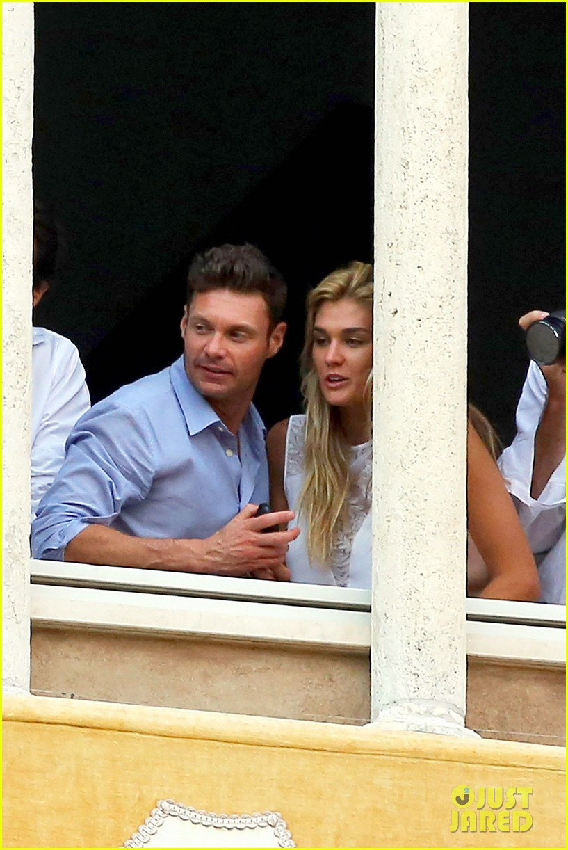 ryan seacrest cozies up to girlfriend shayna taylor 133149654